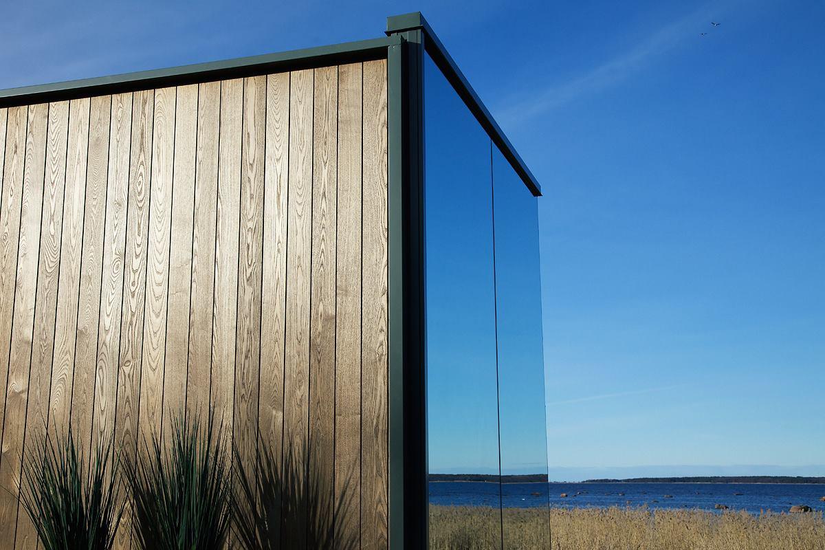 חיפוי עץ לקיר באמצעות דק מעץ איכותי